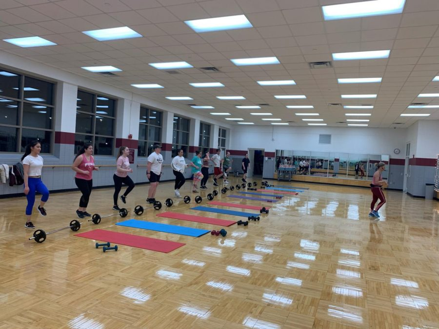Picture of strength and tone class from Mar. 3, taken by Maggie Cudahy