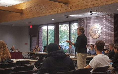 State Senator Jennifer Shilling visits UWL Student Association