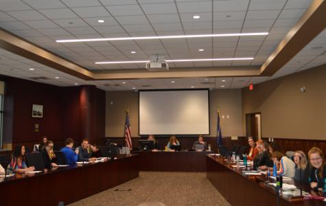 Joe Gow and Rep. Jill Billings speak to Student Senate