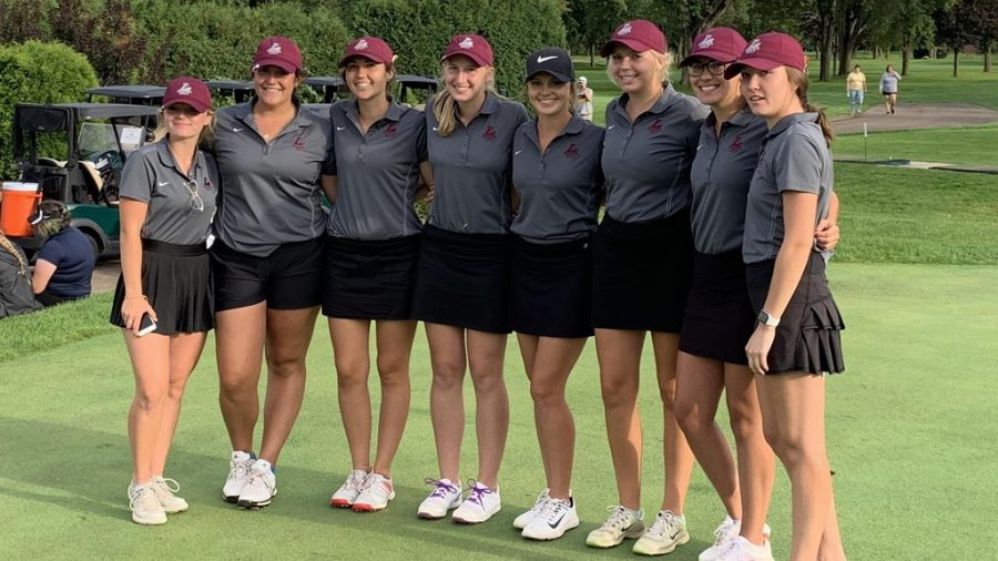 Women%27s+golf+team.+Photo+retrieved+from+the+UWL+athletics+website.